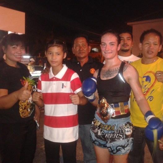100 Muay Thai Fight - Phetjee Jaa and Sylvie von Duuglas-Ittu - vs Cherry Sityodtong