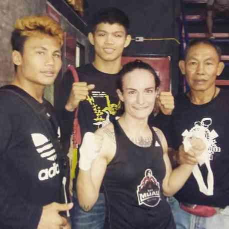 Fight 127 - me and my Chiang Mai Fight Team - Sylvie von Duuglas-Ittu-w1400