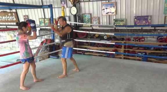Arjan Surat - Dejrat Gym in Bangkok - Sylvie Muay Thai Guard