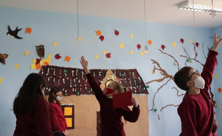 Veprimtari shkollore  me rastin e Krishtlindjeve në muajin dhjetor (2020)
