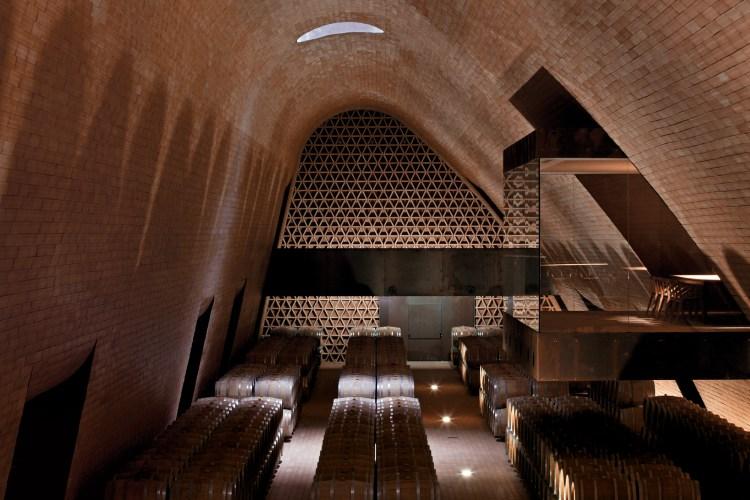 ARCHEA_CANTINA_ANTINORI_032_LF-Antinori-Winery-Archea-Associati-©-Leonardo-Finotti.jpg?fit=750%2C500