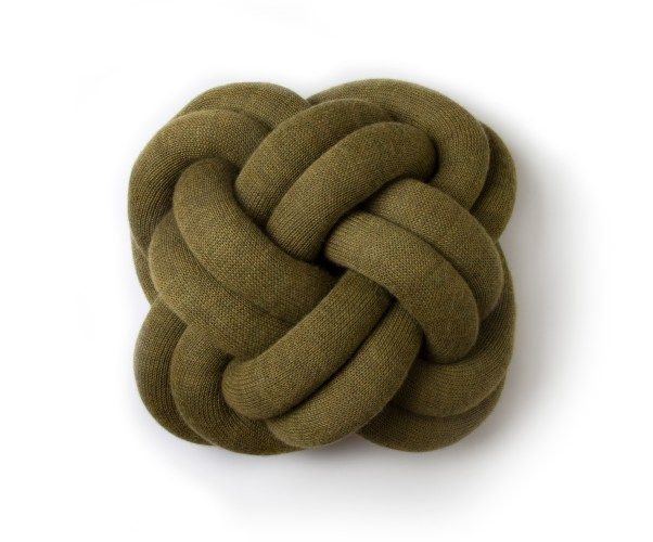 Knot_cushion_green_iso.jpg?fit=602%2C500