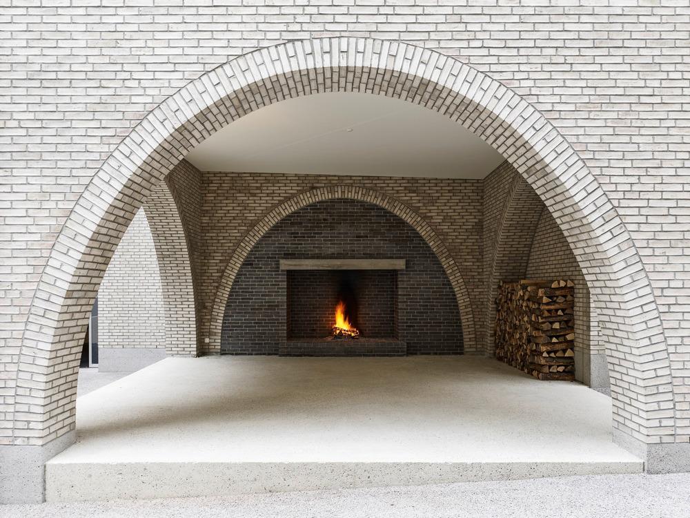 Loggia en el patio interior. Diseño: Buol & Zünd Foto: Georg Aerni