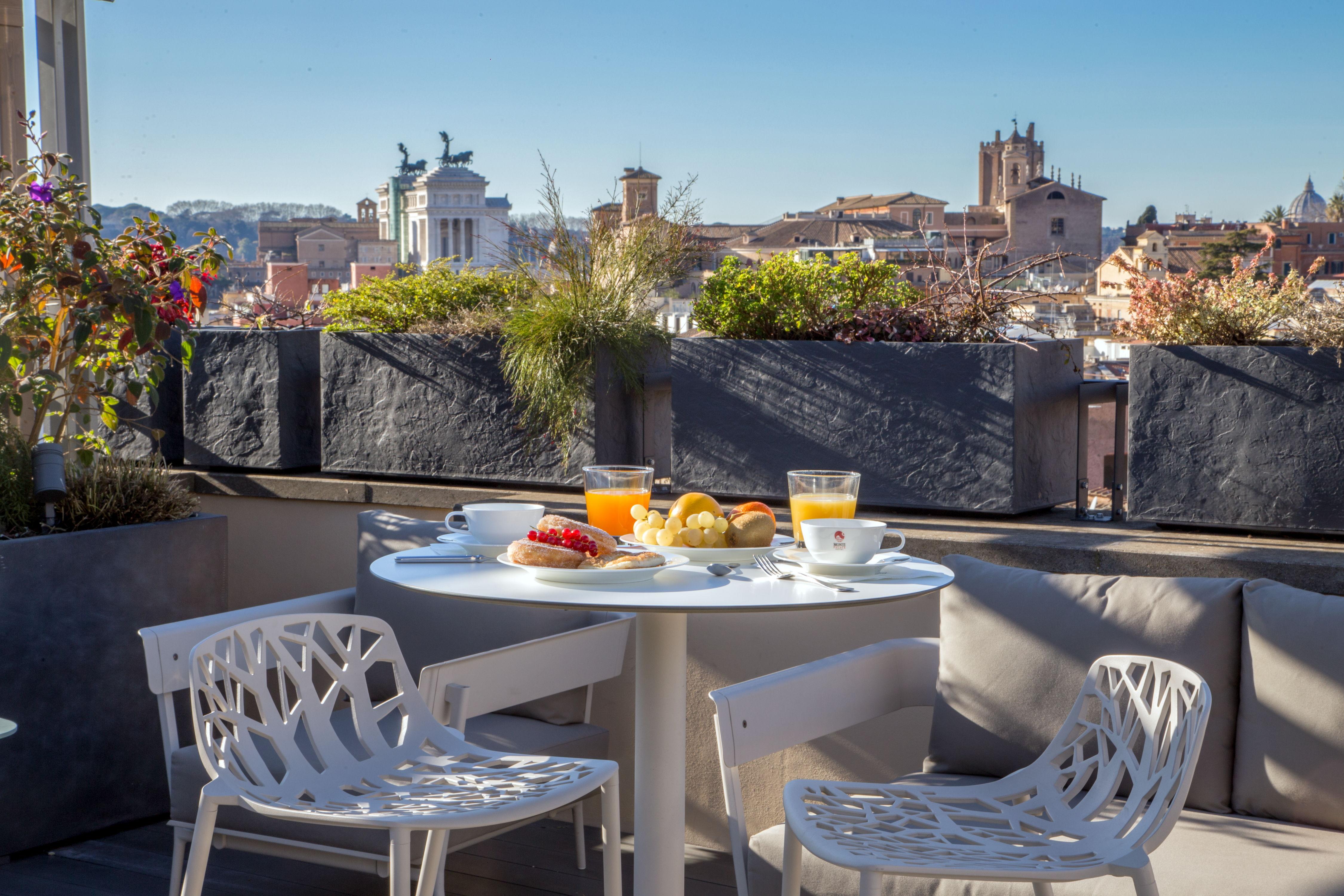Muebles: Fast. Localidad: Hotel Monti Palace, Roma, Italia. Foto suministrada