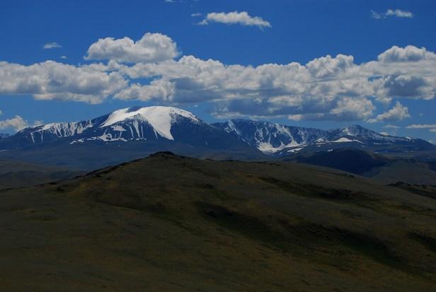 Möglicherweise der zweithöchste Berg der Mongolei - der Tsast uul
