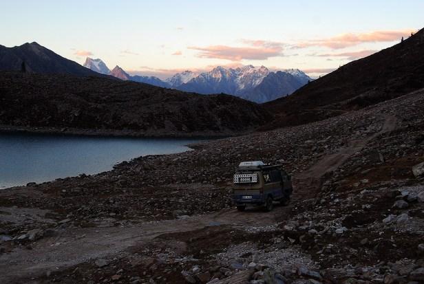 Dämmerung am Rama Lake (ca. 3500 m)