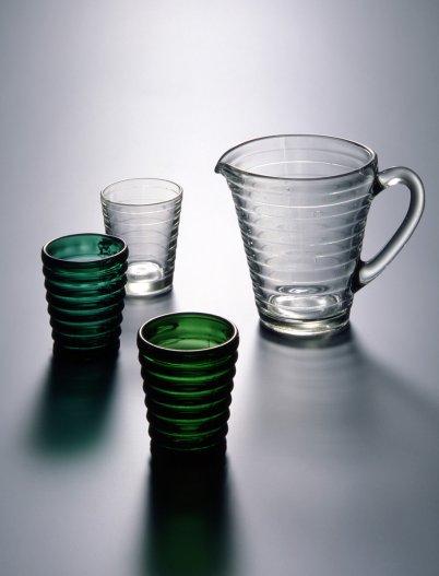Design by Aino Aalto. Böljeblick formed glass, 1932. Foto: Rauno Träskelin
