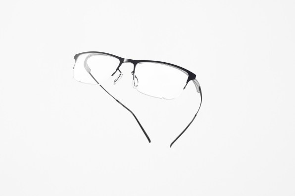 Anteojos Zerogra by Nendo. Modelo híbrido. Foto: Akihiro Yoshida