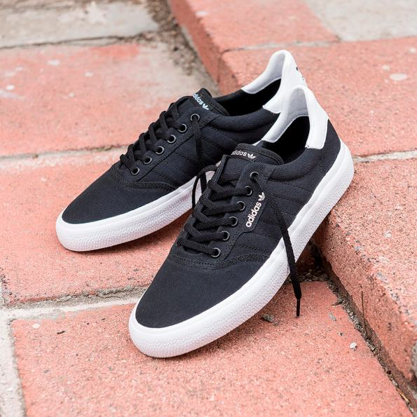 adidas Skateboarding - 3MC