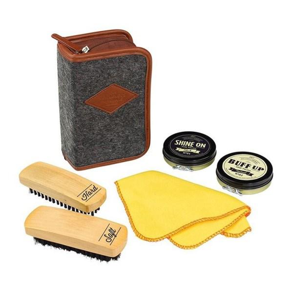 Gentlemen´s Hardware Buff Shine Shoe Polish Kit - Gentlemen´s Hardware. Foto: Yellow Octopus