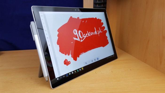 Surface Pro 4 z Surface Penem przy boku - 90sekund.pl