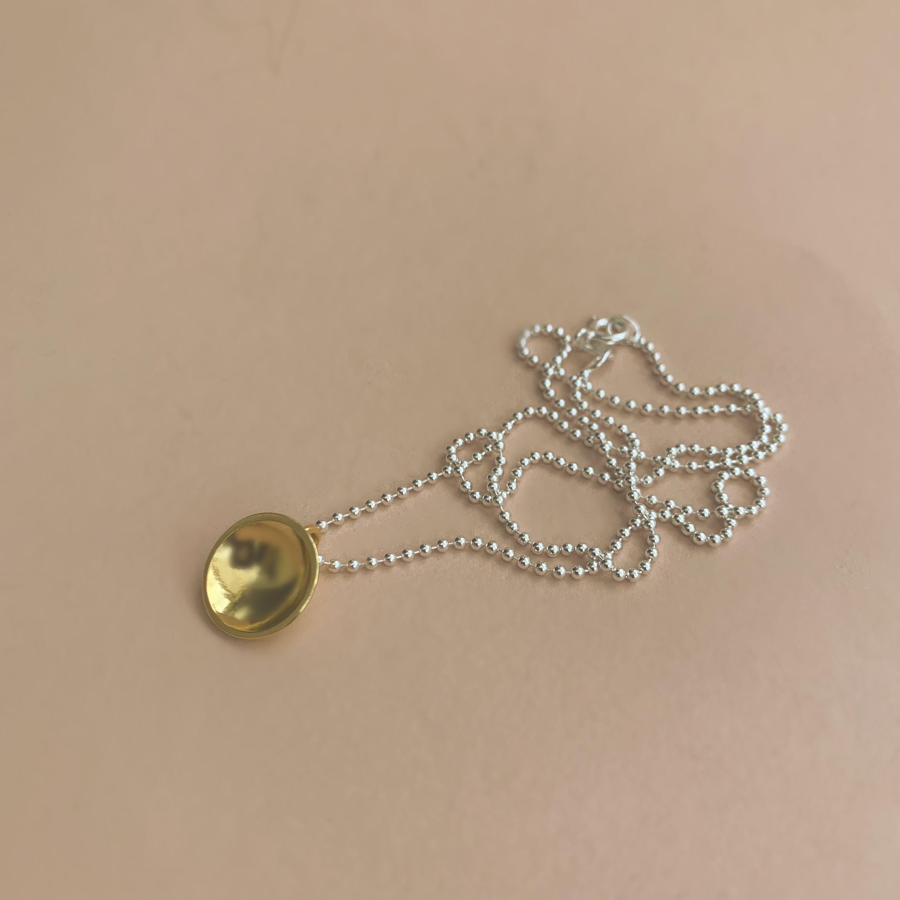 Dots Naked Necklace gold on silver