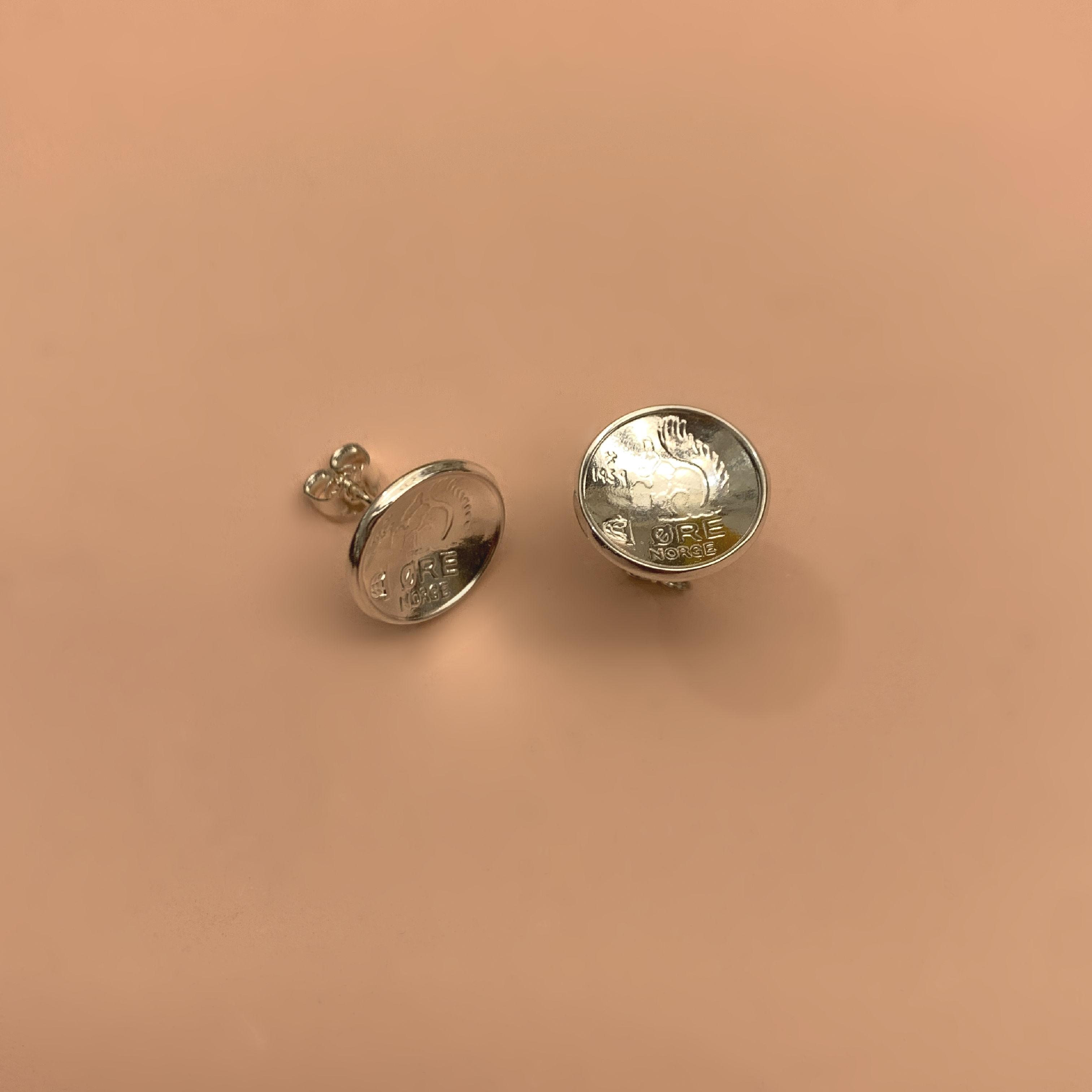 Squirrel Ekorn Coin Studs Silver