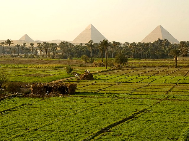 fertile nile river egypt ancient agriculture pyramids