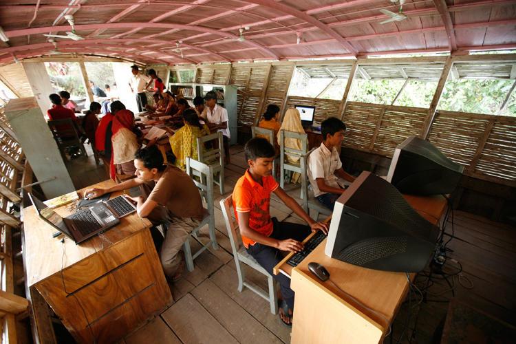 Boat Schools Bring Classroom To Bangladeshs Flood Hit