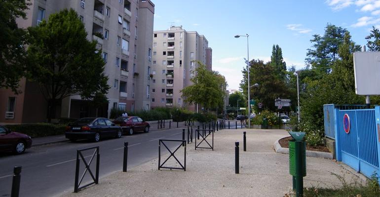 Les trafics de drogues se poursuivent au gros saule avec de nouvelles interpellations - Maison de quartier jardin parisien aulnay sous bois ...