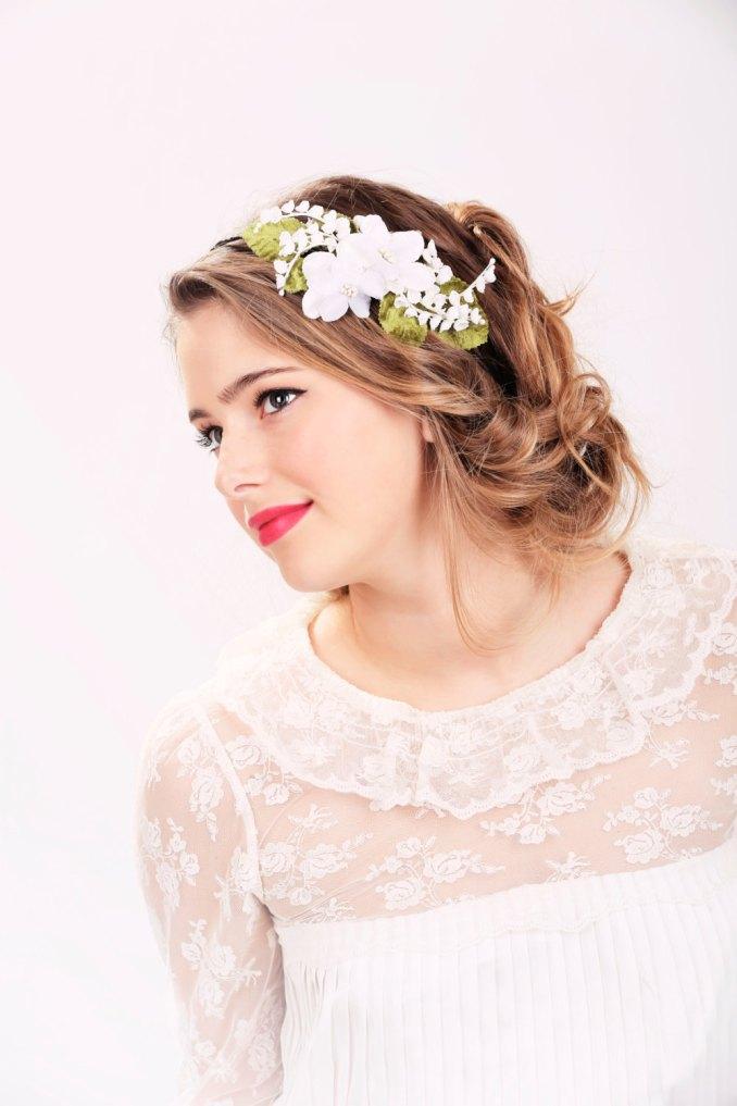 wedding headband, bridal hair, wedding hair accessory, white flower headband