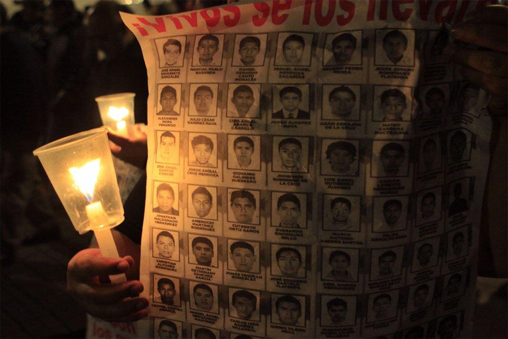 Los capitalinos participaron en la jornada de manifestaciones por los 43 normalistas desaparecidos de Ayotzinapa.