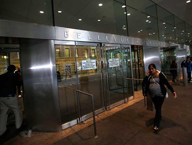 Ingresan a médico a hospital de Nueva York por sospecha de ébola
