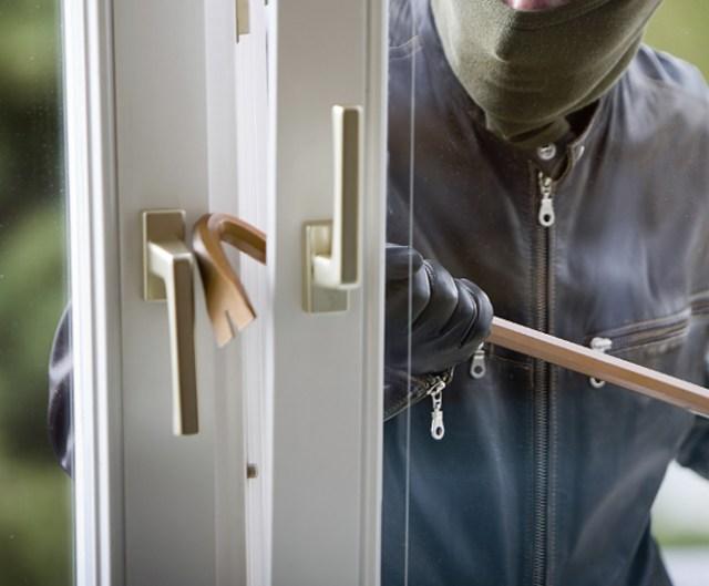 No conforme con intentar robar una casa, un joven decidió regresar, acompañado de su madre, para reclamar un teléfono. FOTO: Especial