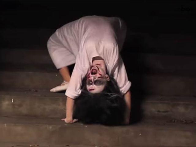 "La broma ""Exorcist Demon Spider Walk Prank!"""