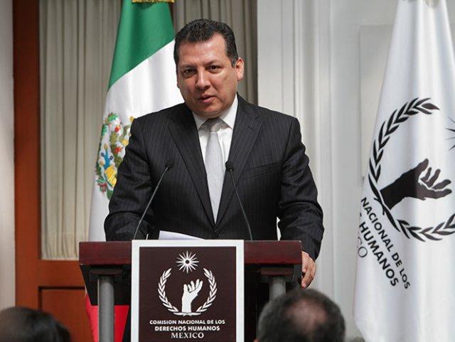 Omiso en su responsabilidad de proteger a los guerrerenses, pese a haber juramentado por ello, afirma Raúl Plasencia.