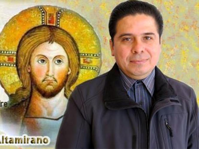 El sacerdote Gregorio López es originario de Nanchititla, Estado de México, cerca de Luvianos. Se ordenó como sacerdote en Altamirano y es uno de los maestros del seminario católico.