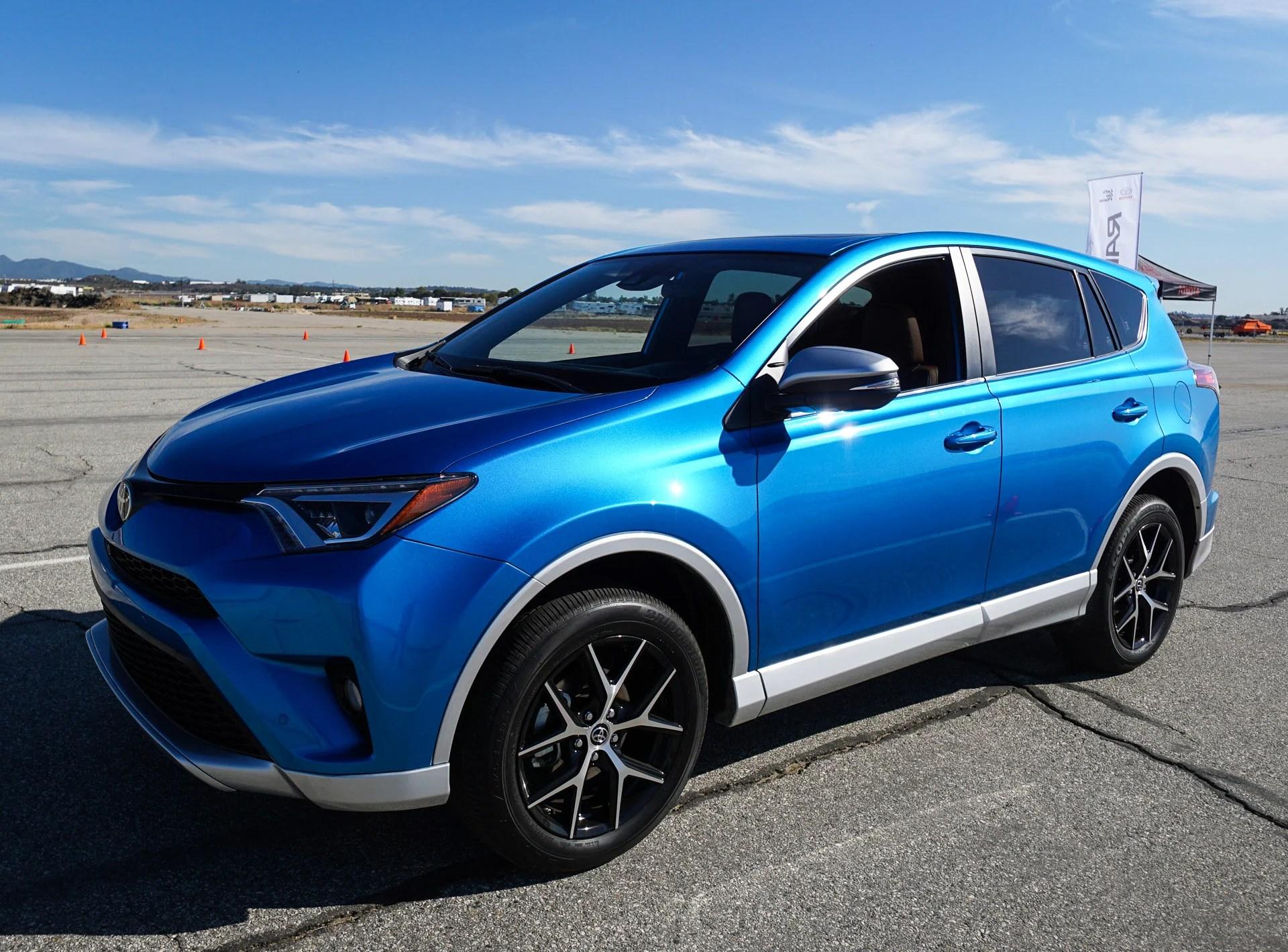 First Drive Review: 2016 Toyota RAV4 Hybrid and RAV4 SE
