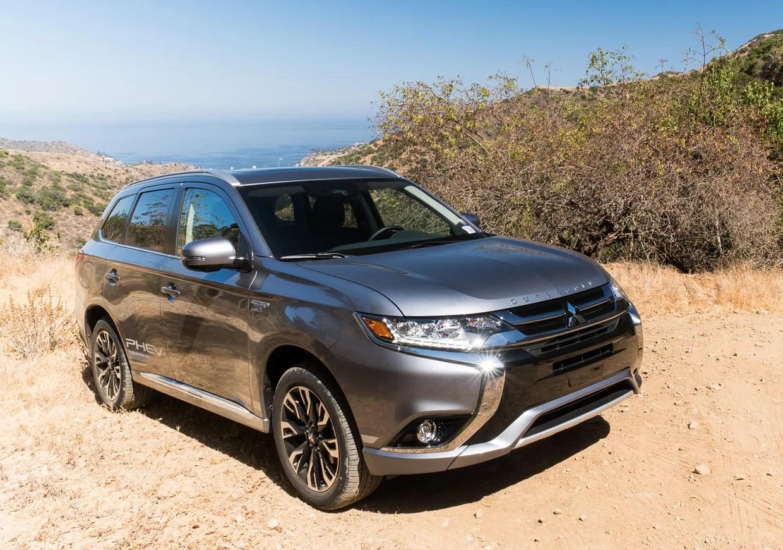 """2018 Mitsubishi Outlander Phev First Drive Ev = """"electric"""
