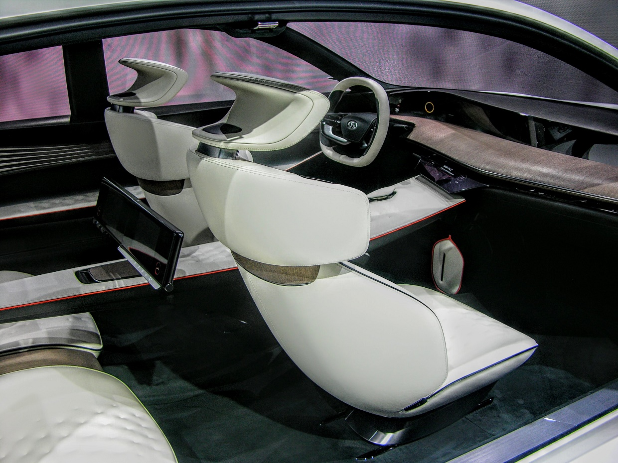 hight resolution of unlike many concept cars this one features some really nifty functional touches take the dual screen rear infotainment center for instances