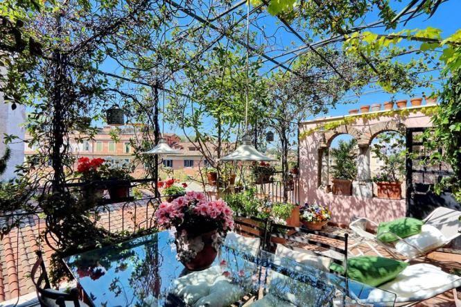 Trastevere Large Apartment With Terrace