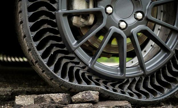 Michelin anuncia colaboración con General Motors y presenta «UPTIS» el neumático que no se pincha