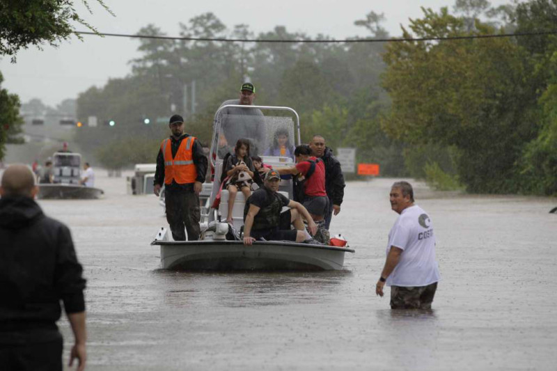Ways to Donate and Volunteer for Victims of Hurricane Harvey