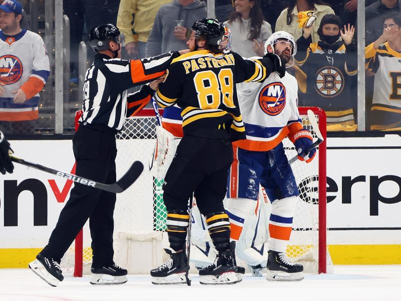 Bruins and Islanders get new referees for Game 6