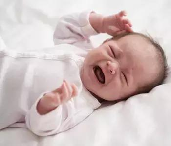 新生兒哭鬧不睡覺?教你幾招! - 9900 親子教育頻道