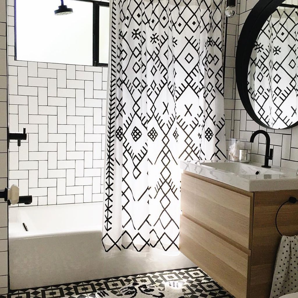 Beautiful Black And White Shower Curtains Design Ideas 62