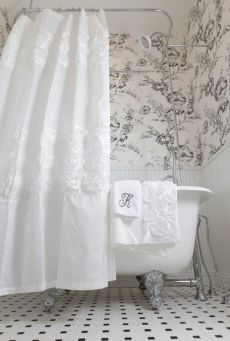 Beautiful Black And White Shower Curtains Design Ideas 63