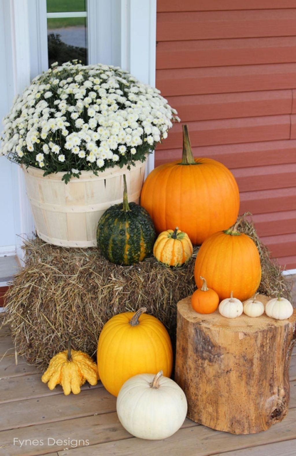 Easy But Inspiring Outdoor Fall Decoration Ideas 44