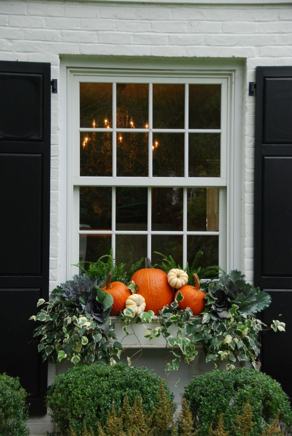 Easy But Inspiring Outdoor Fall Decoration Ideas 52