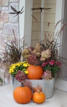Easy But Inspiring Outdoor Fall Decoration Ideas 85