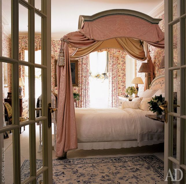 Inexpensive Romantic Bedroom Design Ideas You Will Totally Love 40