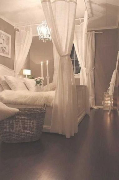 Inexpensive Romantic Bedroom Design Ideas You Will Totally Love 52