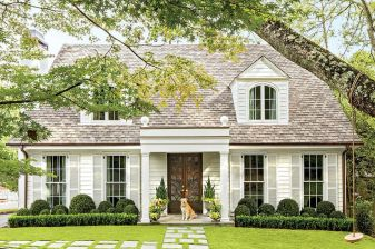 Modern Trends Farmhouse Exterior Paint Colors Ideas 2017 30