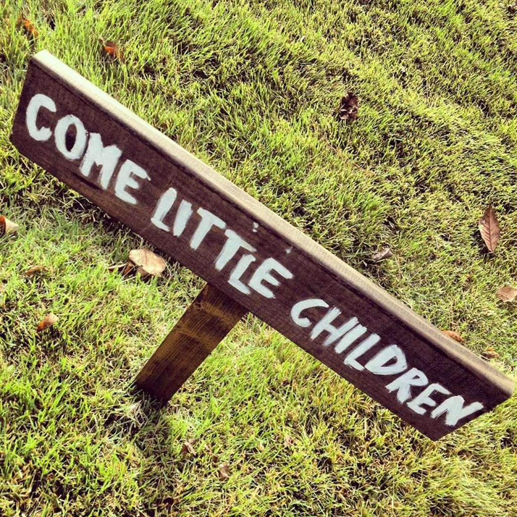 Scary Front Yard Halloween Decoration Ideas 32
