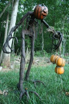 Scary Front Yard Halloween Decoration Ideas 46