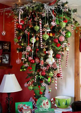 Space Saving Christmas Tree Ideas Suitable For Small Rooms 06