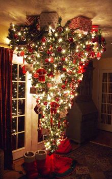 Space Saving Christmas Tree Ideas Suitable For Small Rooms 19