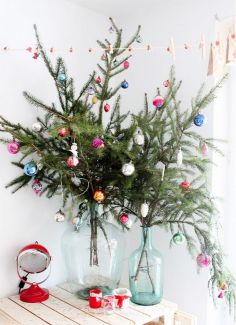 Space Saving Christmas Tree Ideas Suitable For Small Rooms 45