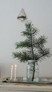 Space Saving Christmas Tree Ideas Suitable For Small Rooms 47