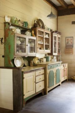 Beautiful Farmhouse Style Rustic Kitchen Cabinet Decoration Ideas 05